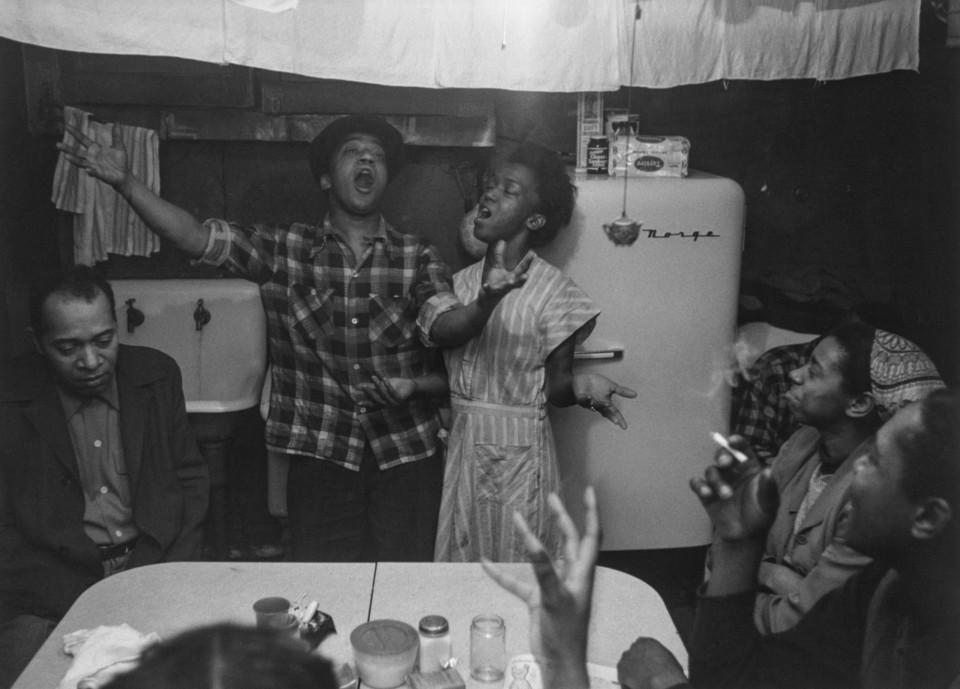 Joe and Julia singing, 1953.jpg