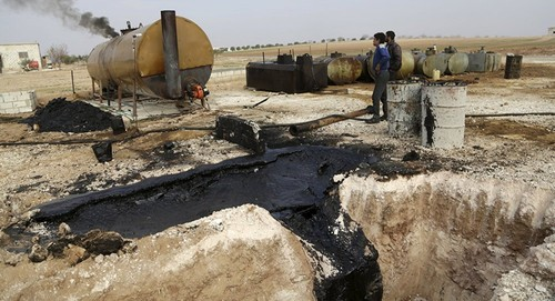 Estado Islâmico petróleo Dez2015 aa.jpg
