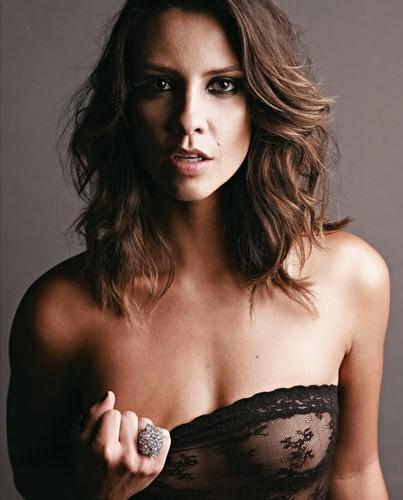Camila Rodrigues 2