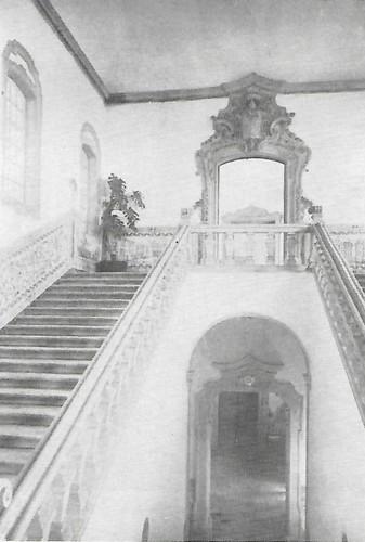 Colégio de S. Jerónimo escada nobre.jpg