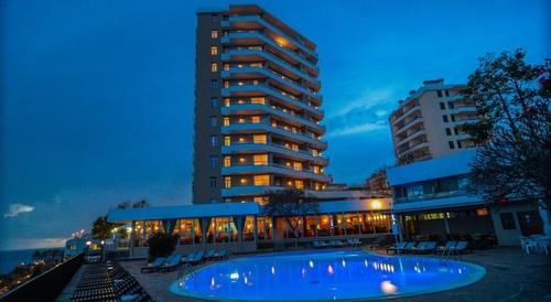 Hotel Duas Torres.jpg