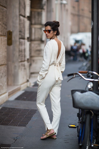 white-jumpsuit-streetstyle.jpg