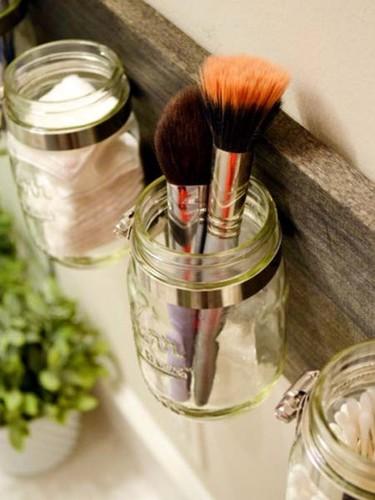 Organizando-el-baño-frascos-de-vidrio.jpg