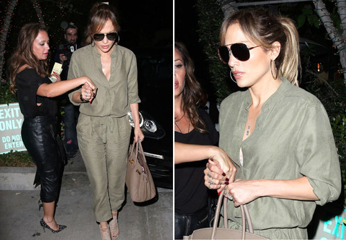 7d9876162 Jennifer Lopez tem noite só de garotas em Hollywood - jlopez