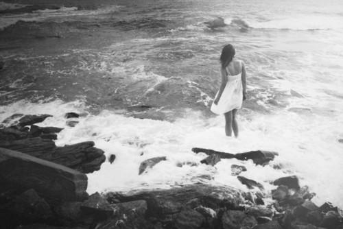 alone-in-the-sea.jpg