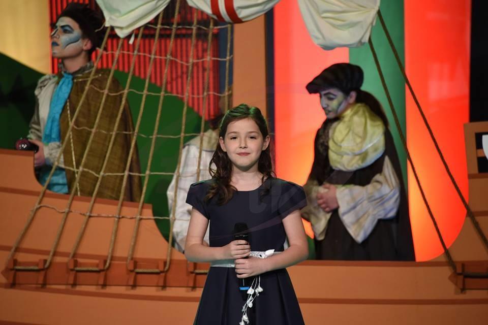 Ana Beatriz Cabral - 8 anos.jpg