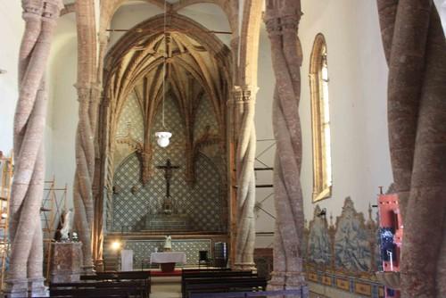 SCMS_-_Igreja_de_Jesus._Nave_central_e_Capela-Mor-
