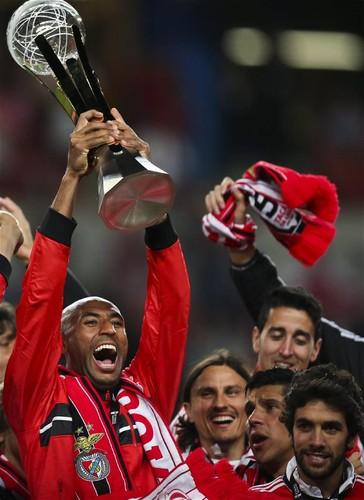 Taça_da_liga_SLB.png