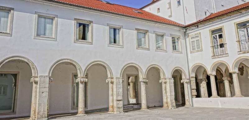 Edificio da Inquisição claustro.jpg