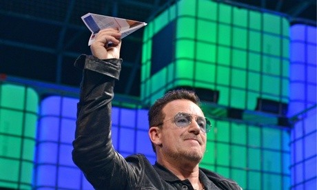 Bono-with-a-plane---NB-no-011.jpg