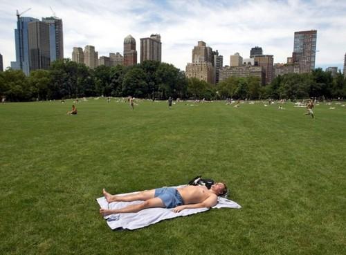 Em Nova Iorque as mulheres já podem fazer Topless