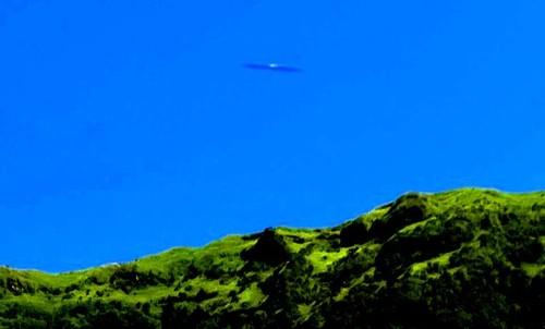 cigar-shaped ufo azores.jpg