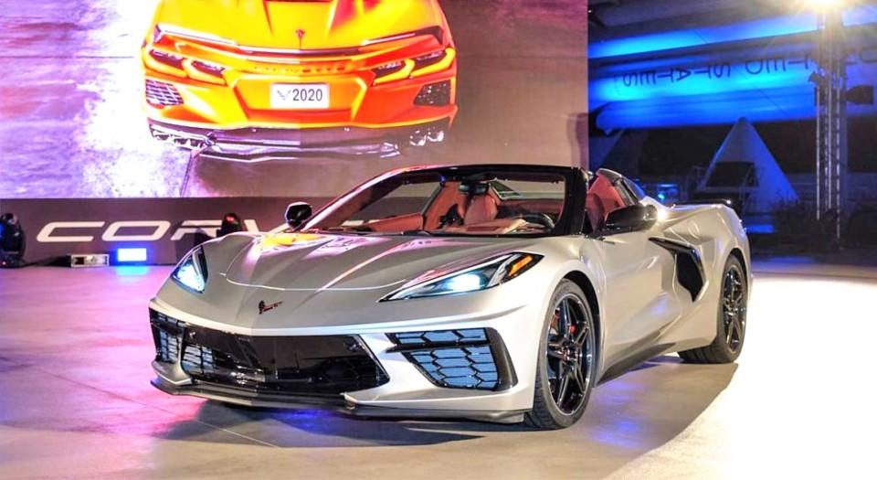 2020-Chevrolet-Corvette-Stingray-Convertible_live-