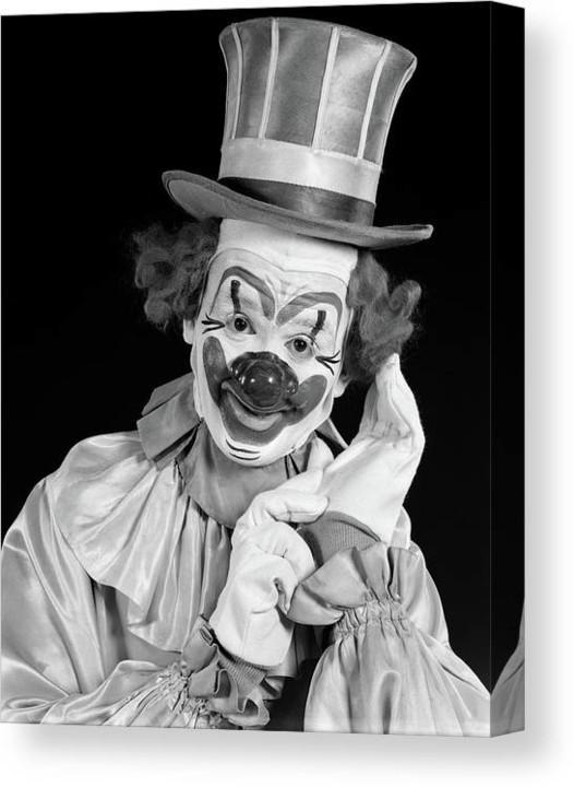 1950s-portrait-of-clown-wearing-top-hat-vintage.jp