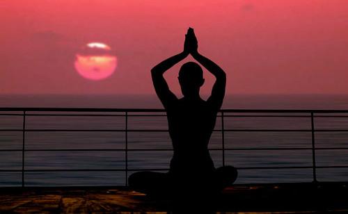 4e6f2fb4d8cb9_yoga_1.jpg