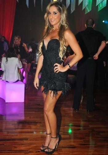 Aline Rodrigues (modelo).jpg
