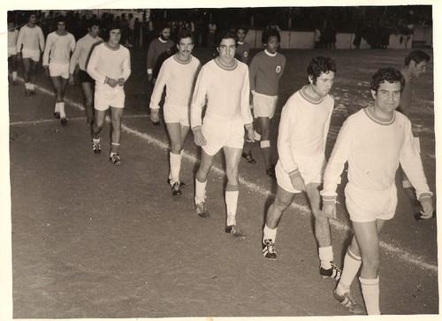 Avintes-Benfica (entrada em vampo).jpg