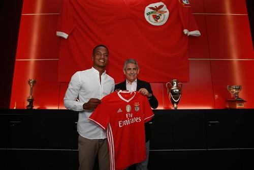 Carrillo no Benfica_1.jpg