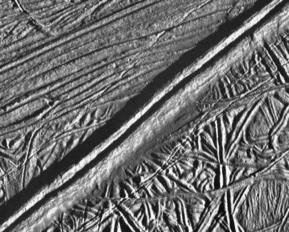 Europa-ice-ridge4.jpg