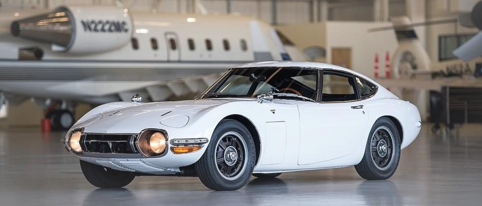 1967-Toyota-2000GT.jpg