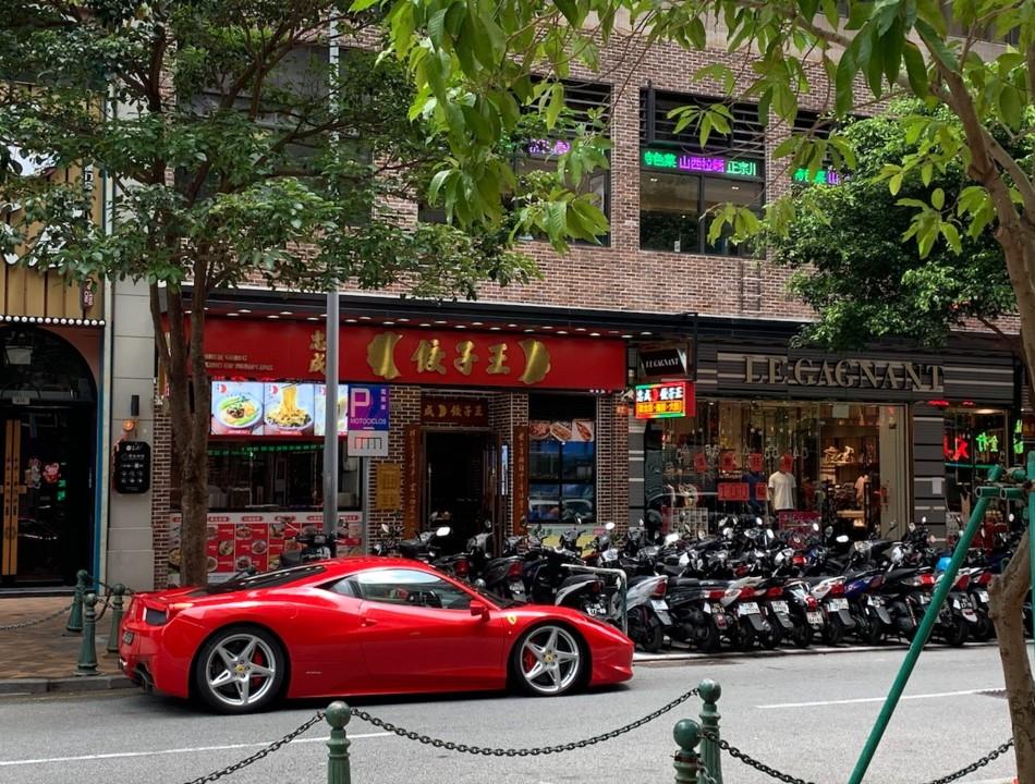 Almoço Ferrari.jpg