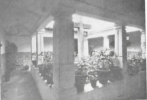 Colégio de S. António da Pedreira claustro.jpg