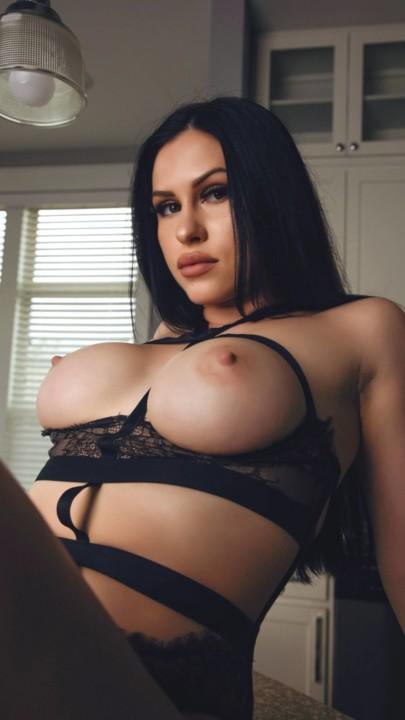 Elizabeth Tate 6.jpg