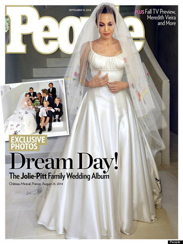 o-ANGELINA-JOLIE-WEDDING-DRESS-570.jpg
