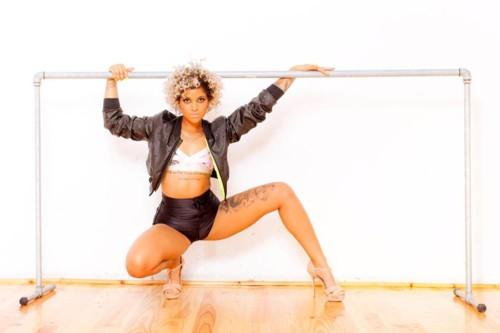 Blaya Rodrigues (cantora & dançarina - nasceu no