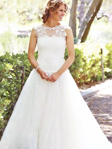 1399354492000-Beckett-in-wedding-dress.png