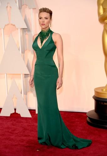 Scarlett-Johansson-Oscars-2015.jpg