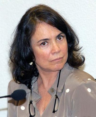 1 R Regina Duarte.png
