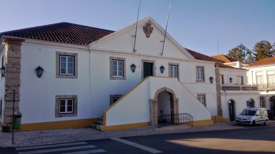 EDIFICIO CAMARA MUNICIPAL DE SALVATERRA DE MAGOS.j