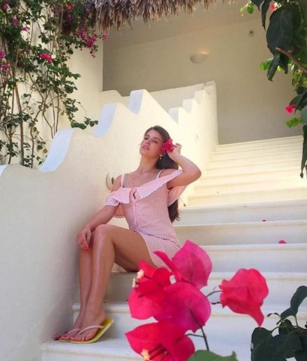 Camila Queiroz 27.jpg