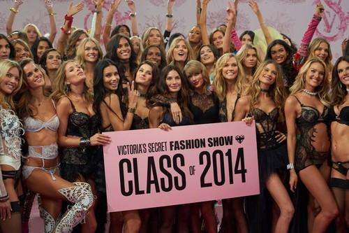 Victorias-secret-fashion-show-backstage.jpg