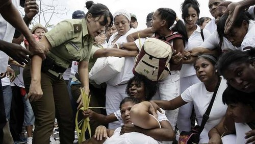 Miembros-Blanco-Policia-Habana-EFE_CLAIMA20160320_