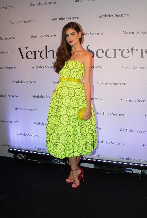 Camila Queiroz (atriz & modelo).jpg