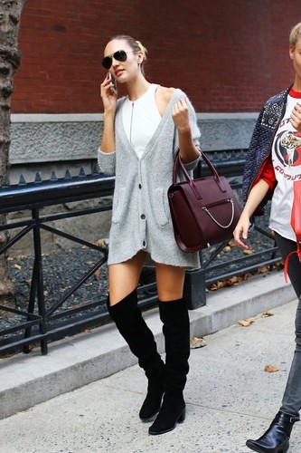 le-fashion-blog-candice-swanepoel-oversized-cardig