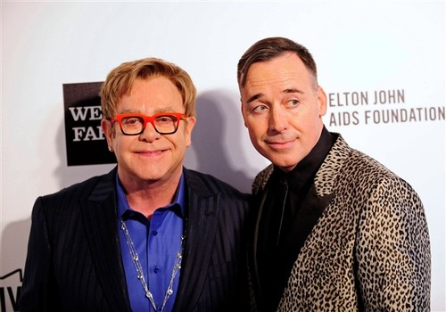 Elton John e o seu companheiro David Furnish.JPG