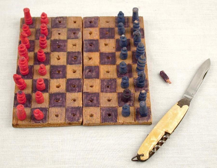 chess-set-holocaust-01.jpg