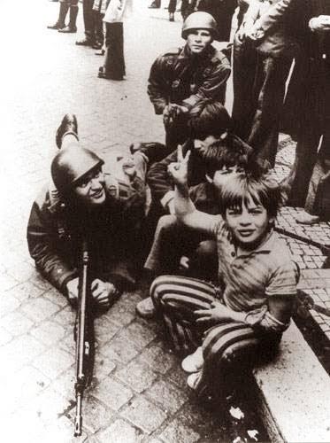 Eduardo Gageiro - 25 de Abril de 1974.jpg