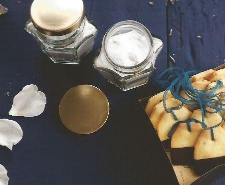 Bolachas Sacos de Chá e Açúcares Aromatizados.J
