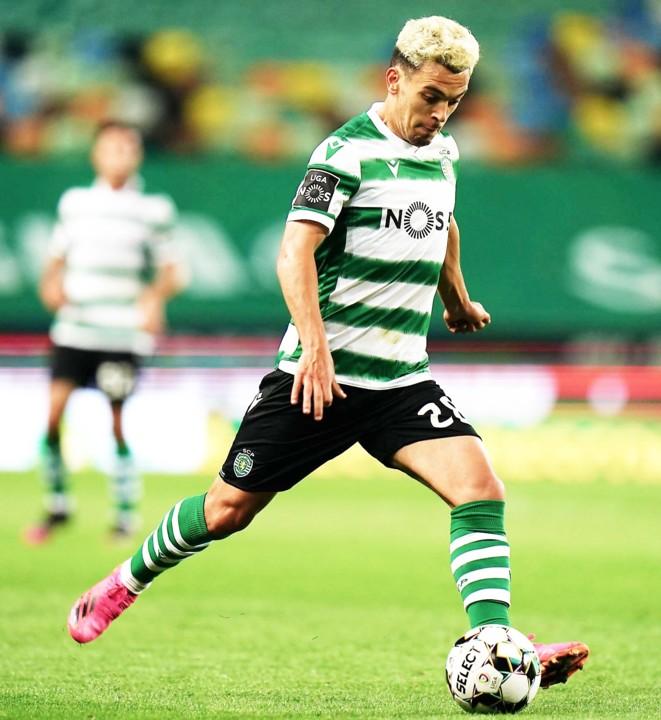Sporting-midfielder-Pedro-Pote-Goncalves-in-action