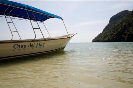 26_Boats_CasadelMar_On_Beach.jpg
