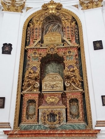Igreja de Santa Cruz. Santuário 06 a.jpg