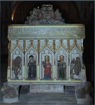 Túmulo da Rainha Santa, facial dos pés.png
