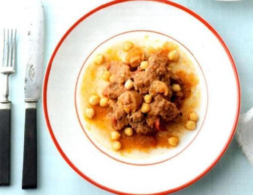 Carne Guisada com Grão e Pera com Crumble de Amê