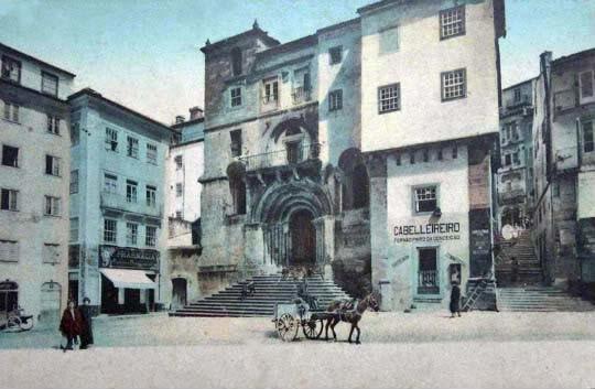 A Misericórdia ocupava os dois pisos superiores.j