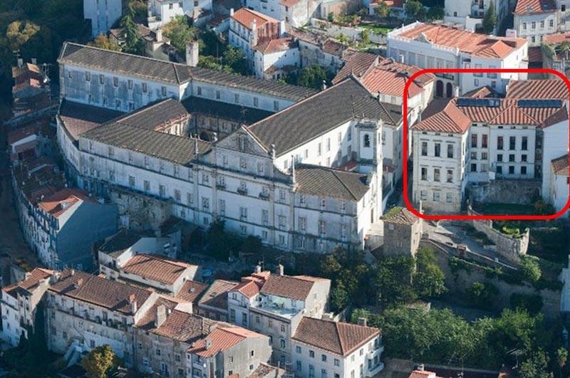 Colégio Novo restaurado após o incêndio.jpg