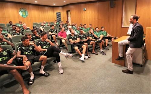 presidente_frederico_varandas_com_os_jogadores_3.j